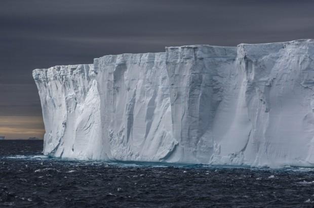 dsc05691-peninsula-antarctic-sound-tabular